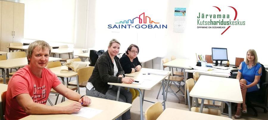 Mäo klaasitehase töötajad elustavad täienduskoolituses inglisekeelset töö- ja suhtlusalast sõnavara