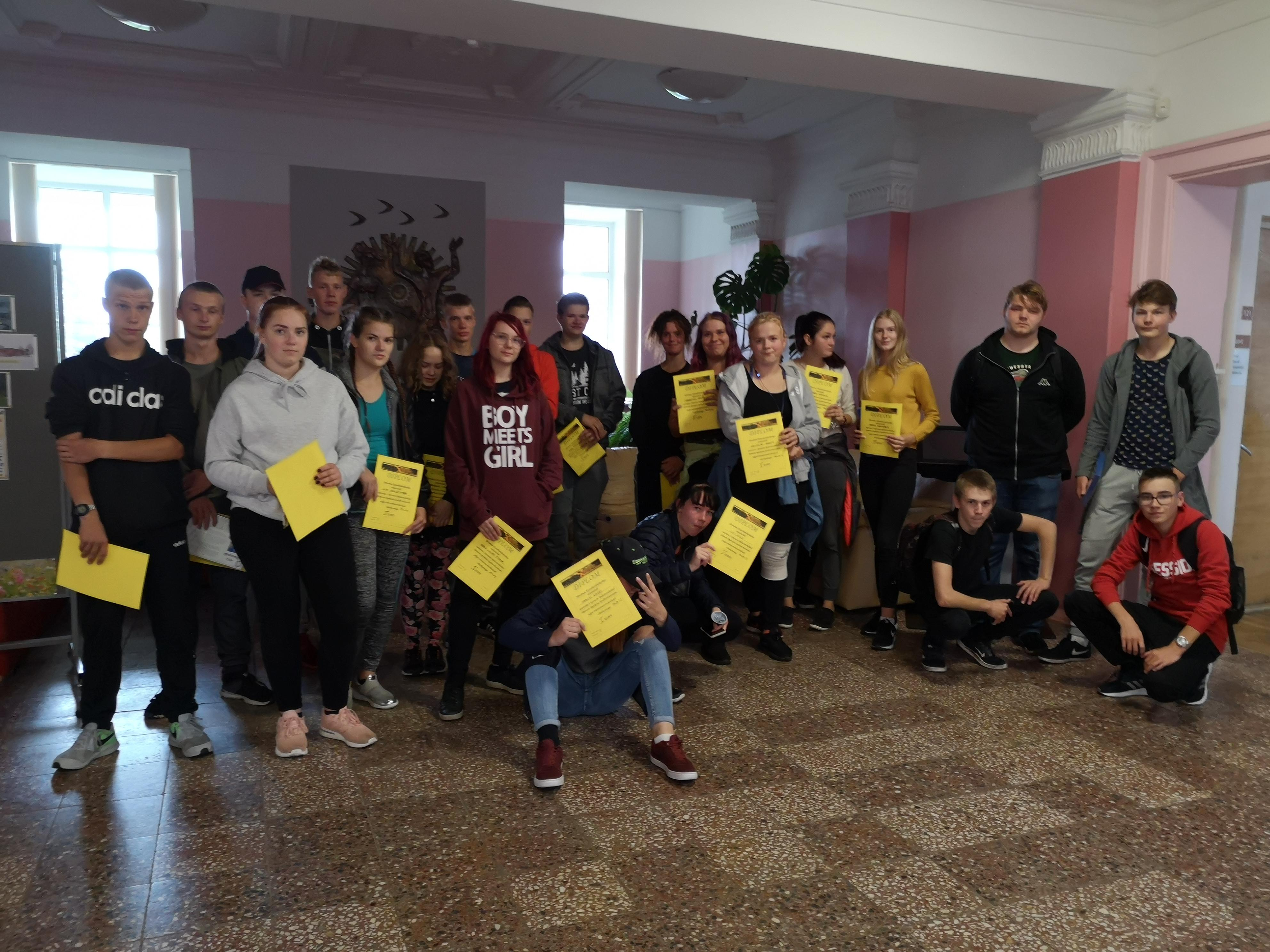 JKHK Särevere õppekoha 1.kursuste orienteerujad.